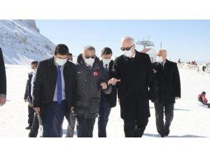 """Vali Arslantaş: """"Antalya, Burdur ve Isparta'nın sosyo-ekonomik kalkınması için var gücümüzle çalışıyoruz"""""""