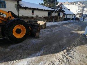 Dodurga'da cadde ve sokaklar kardan temizlendi