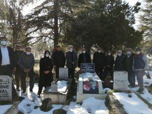 Kore Gazisi Refik Özberber, ölümünün 1'inci yılında mezarı başında anıldı
