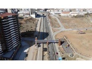 Kilit kavşaktaki çalışma 20 saat sürdü: Ankara-Kayseri kara yolu ulaşıma açıldı