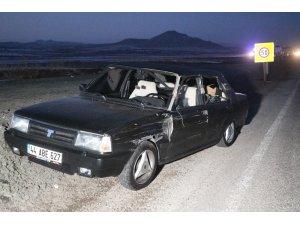 Tırla otomobil çarpıştı: 2 yaralı