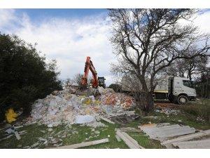 Gaziemir'de 2 günde 480 ton moloz toplandı