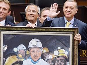 Erdoğan'a hediye edilen madenci tablosu sosyal medyayı karıştırdı!