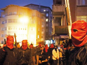 Kılıçdaroğlu Okmeydanı'ndaki maskeli ve silahlı kişileri sordu