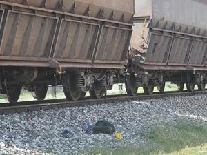 Tren işçiyi ezdi