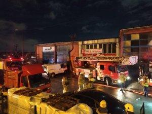 Sultangazi'de sanayi sitesinde yangın paniği