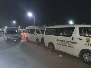 Nijerya'da okul baskınında kaçırılan kız öğrenciler serbest bırakıldı