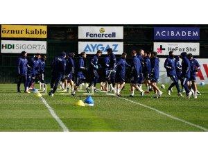 Fenerbahçe, Antalyaspor hazırlıklarını sürdürdü
