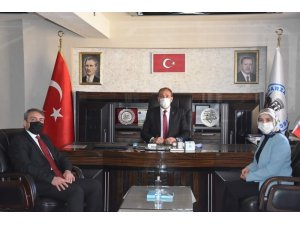 İŞKUR İl Müdür Vekili Ayşe Ak Tomarza Kaymakamı Cebeci'yi ve Başkan Şahin'i ziyaret etti