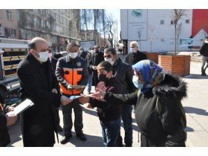Kars'ta AFAD arama kurtarma malzemelerini sergiledi