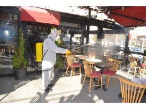 Kırıkkale'de yeniden açılan iş yerleri dezenfekte edildi