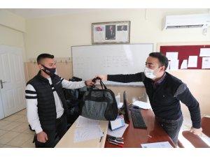 Şahinbey'den 40 bin 799 Mehmetçik'e çanta