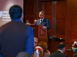 Abdullah Gül'e Harvard Üniversitesi'nde beklenmedik soru