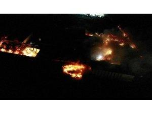Tuzla'da yangın çıkan fabrika havadan görüntülendi