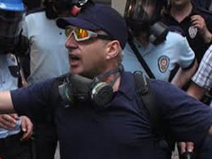 Polis vatandaşa küfretti!