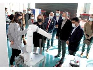 Milletvekili Yılmaz ve İl Başkanı Ercik Model Fabrikayı inceledi
