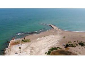 Deniz çekildi, antik liman ortaya çıktı