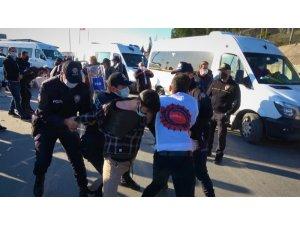 Yolu kapatan işçilere polis müdahalesi: 14 gözaltı