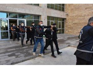 Antalya'da suç çetesi çökertildi