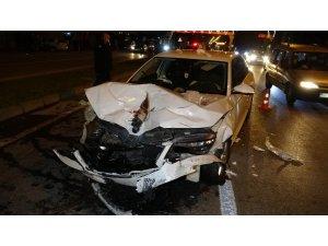 Samsun'da 3 aracın karıştığı kazada 3 kişi yaralandı