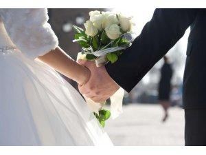 Düzce'de kadınlar 24 yaşında evleniyor
