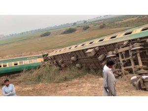 Pakistan'da yolcu treni raydan çıktı: 1 ölü, 40 yaralı