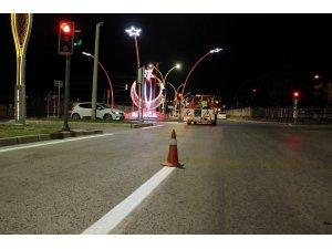 Aliağa'da yol şerit çizgileri yenileniyor