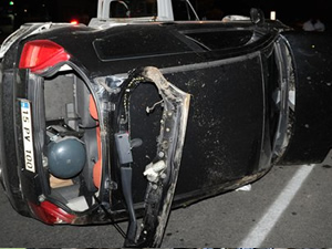 Antalya'da araba takla attı