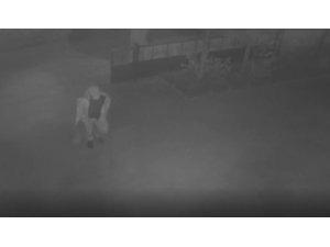 Siverek'te otomobilin kundaklanma anı güvenlik kamerasında