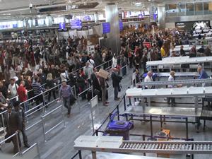 Havalimanlarında artık yolcu anonsları yapılmayacak