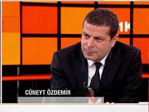 Özdemir: AKP'yi savunan yazarlar delirmiş durumda...