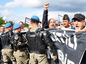 Abdullah Gül'ün yolunu kestiler!