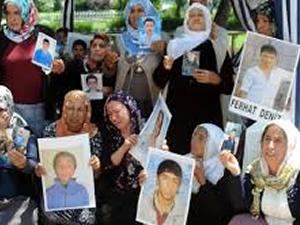 CHP'den oturma eylemi yapan ailelere destek