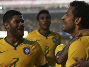 2014 Dünya Kupası'nın ev sahibi Brezilya kazanmaya devam ediyor