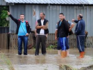 Düzce'de evler sular altında kaldı