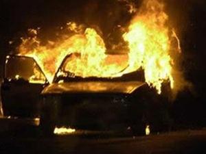 TEM'de araba yandı!