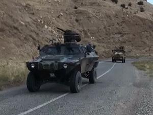 Diyarbakır'da askere ateş açıldı!