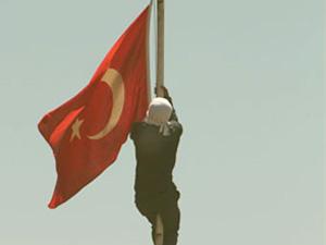 Bayrak krizinde yeni gelişme