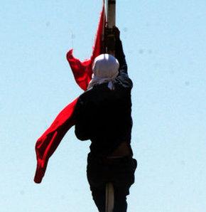 Kemal Burkay: Bayrağı MİT indirmiş olabilir