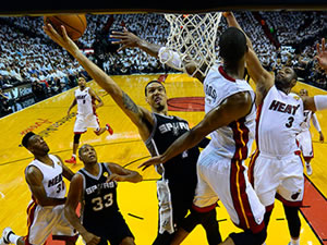 San Antonio Spurs finale doğru!