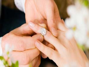 Yeni devlet başkanı evleniyor