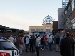 Polis camiye baskın düzenledi