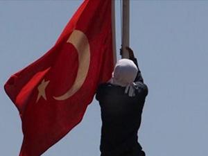 Ve Türk Bayrağını indiren o şahıs yakalandı