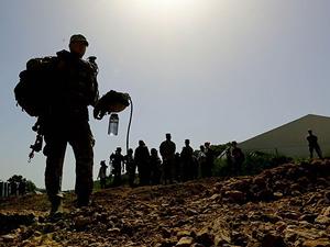 Obama Irak'a 275 asker gönderdi