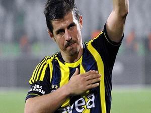 Emre Belözoğlu'na ırkçılıktan 2 ay 15 gün hapis