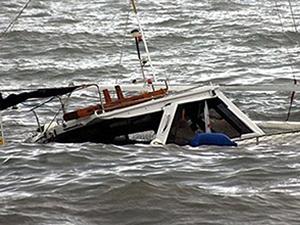 27 kişinin bulunduğu tekne battı!
