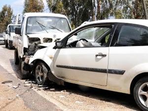 Şanlurfa'da minibüs ve otomobil kaza yaptı