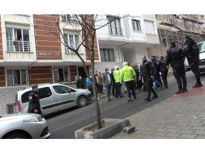 Arnavutköy'de çocukların kavgasına aileleri de karıştı ortalık savaş alanına döndü