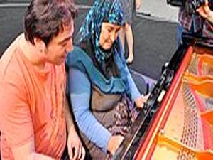 Fazıl Say nineyle piyano çaldı