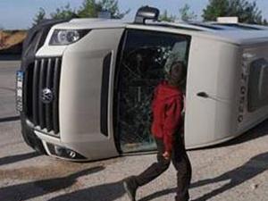 Tekirdağ'da minibüs devrildi : 5 yaralı